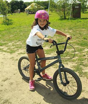 gs-girl-bike