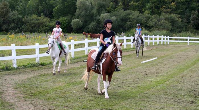 saddle-club-riders